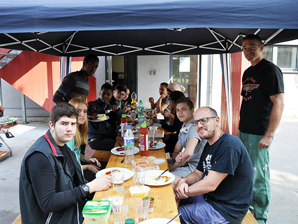 Barbecue in der Herbstsonne